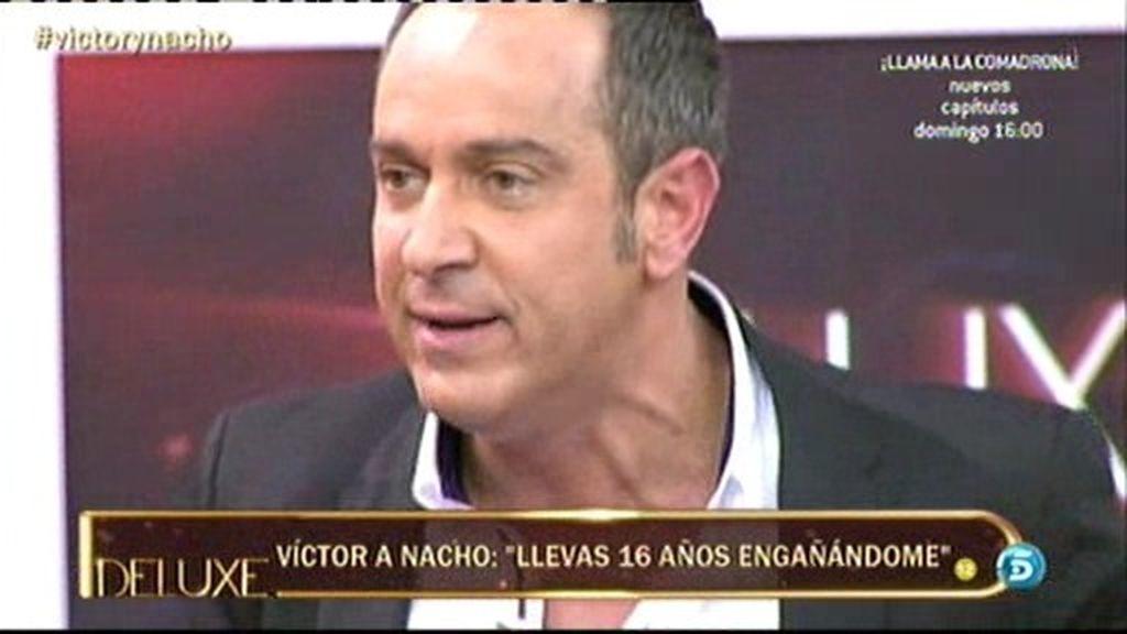 Víctor Sandoval pierde los papeles y abandona el plató del Deluxe