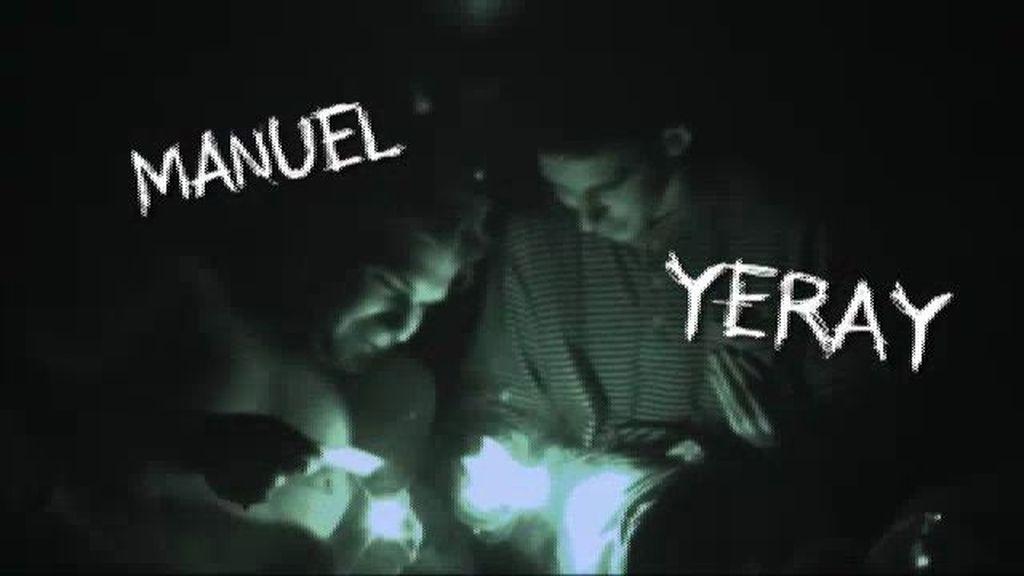 Los chicos pasan la primera noche fumando porros