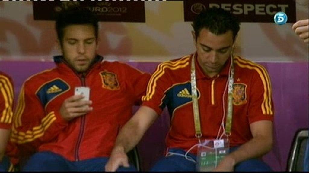 Xavi 'da la bienvenida' a Jordi Alba