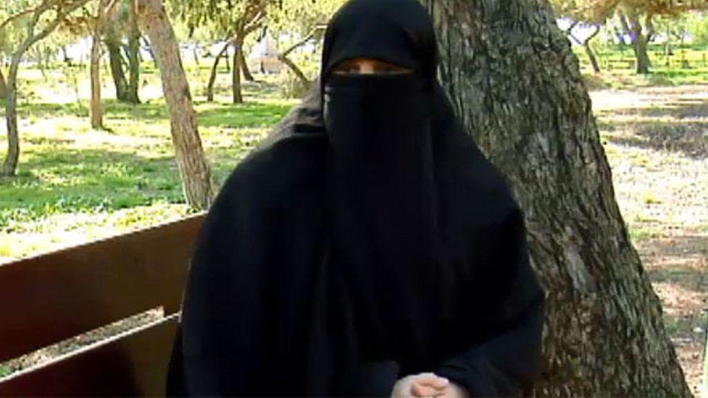 El burka o nicab, algo habitual en 'La Cañada'