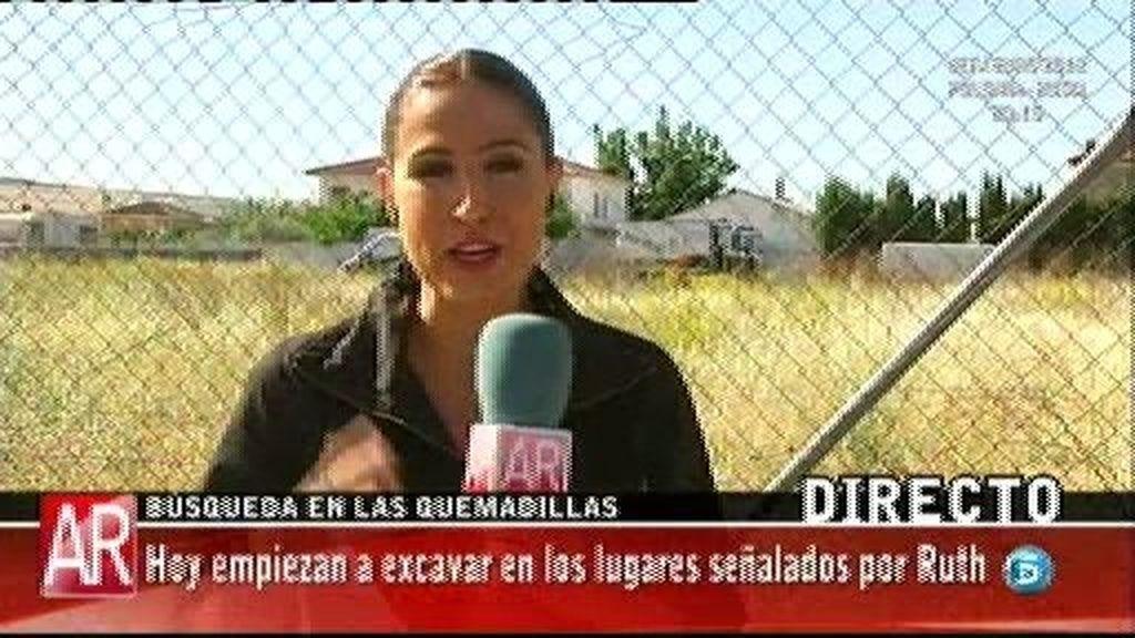 Las palas han comenzado a excavar el naranjal por la zona en la que señaló Ruth Ortiz