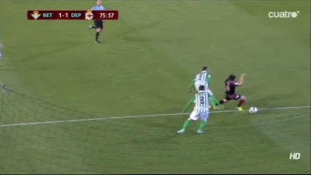¿Hay penalti a Pizzi?