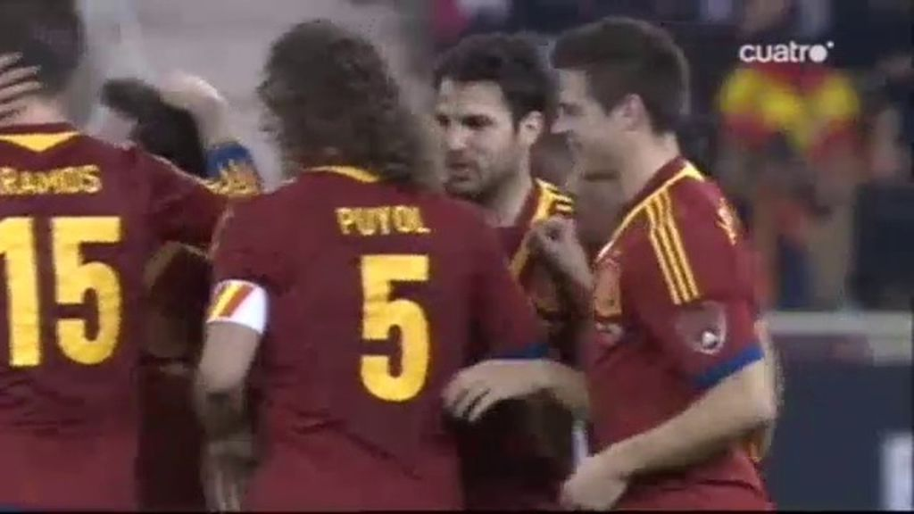 Cesc marca el primer gol de España en el amistoso ante Uruguay