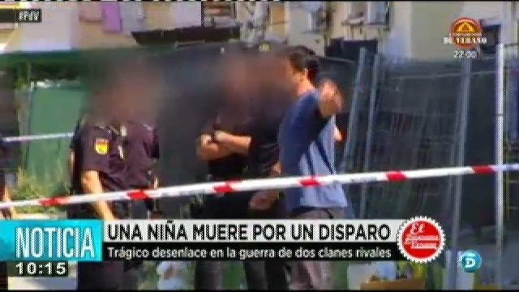 Muere una niña en Sevilla en un tiroteo