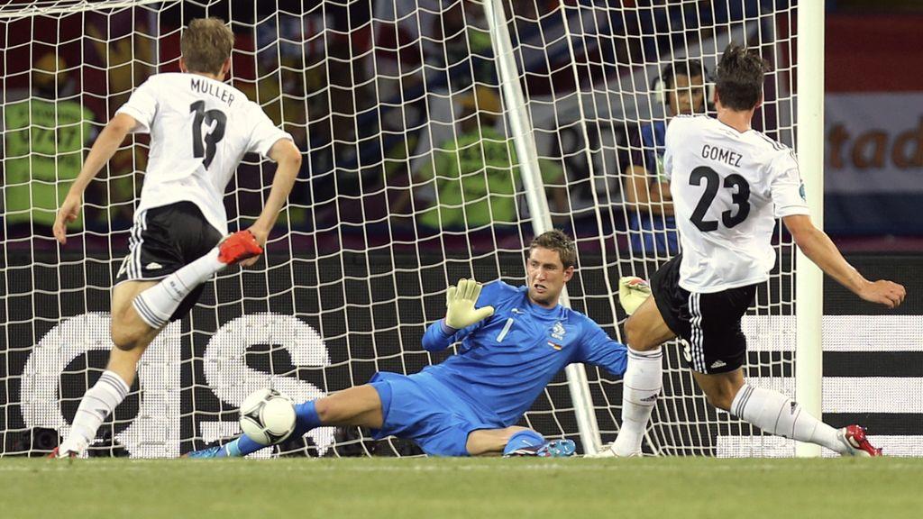 Detalle de calidad en el gol de Mario Gómez