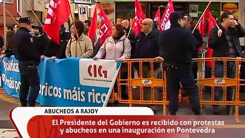 Mariano Rajoy, recibido entre abucheos