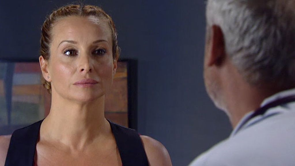 Manuela encubre a Héctor