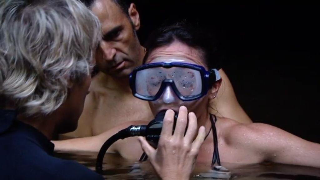 Juana supera un ataque de ansiedad durante su primera inmersión