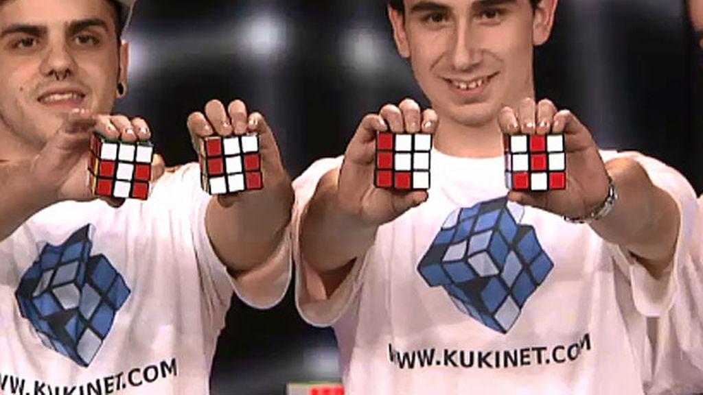 Kukinet, de 18 a 23 años, cubos de Rubik