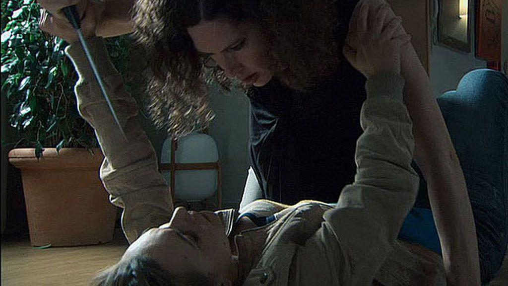 Laia ataca a Valeria