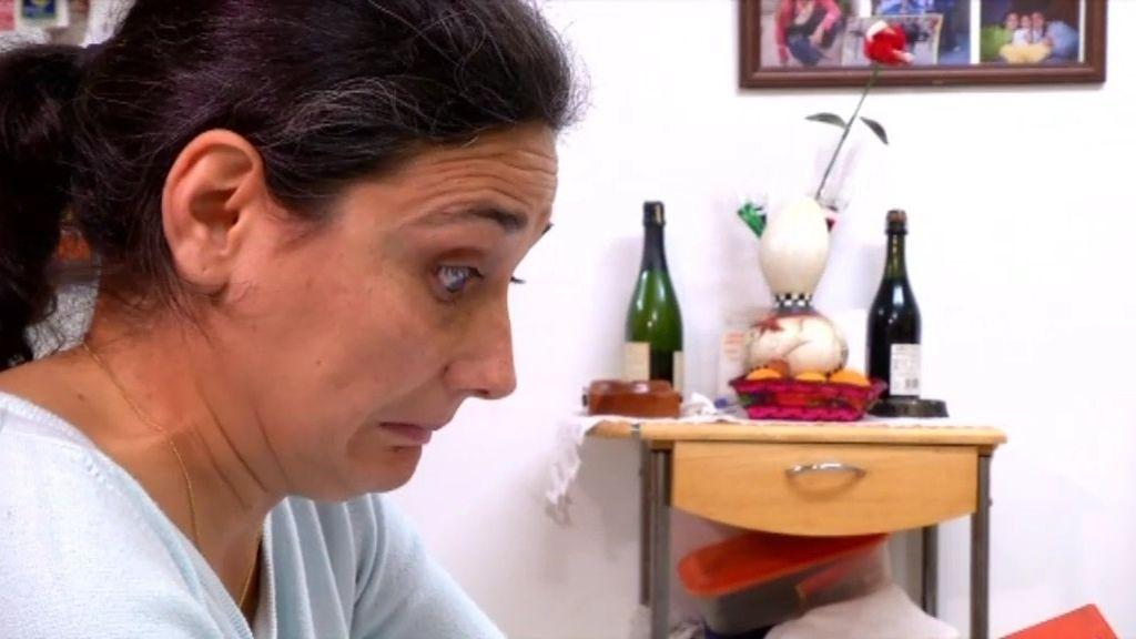 Azucena se desespera con las pautas de vida de Carina