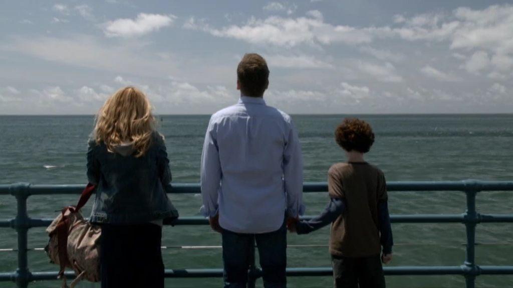 El destino une a Martin y Jake con la madre de Amelia en Los Ángeles