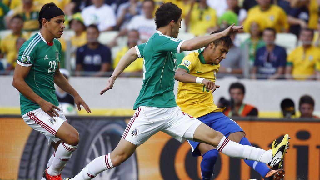 Gol: Brasil 1-0 México (Min.9)