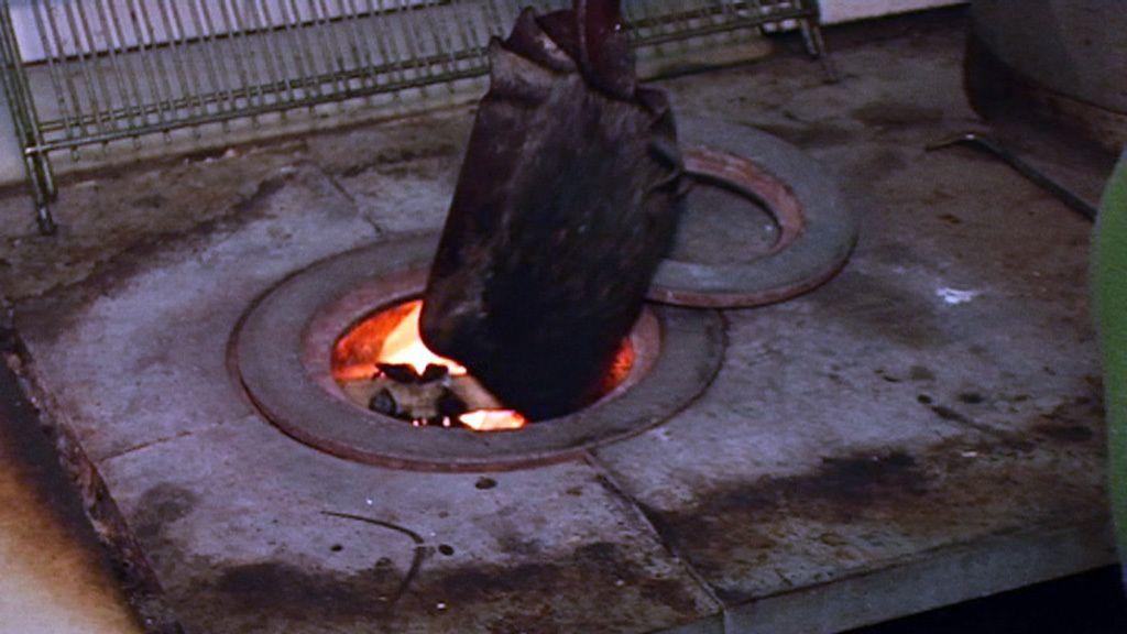 Sin calefacción, leña y carbón para paliar el frío