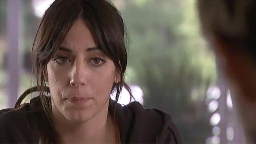 Lena se siente culpable del accidente que alejó a su hermana de la gimnasia