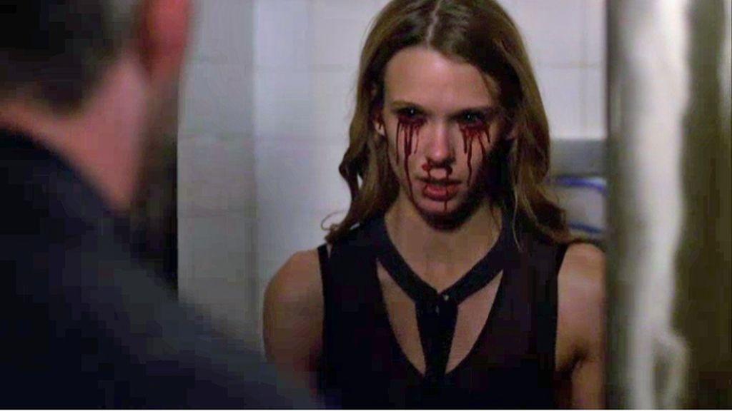 Sangra por los ojos antes de morir