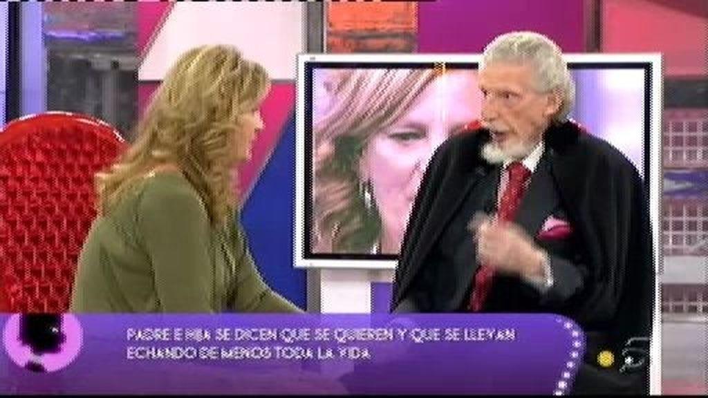 Don Leandro piropea a su hija