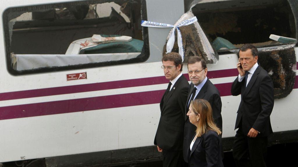 Rajoy visita el lugar del accidente en Santiago