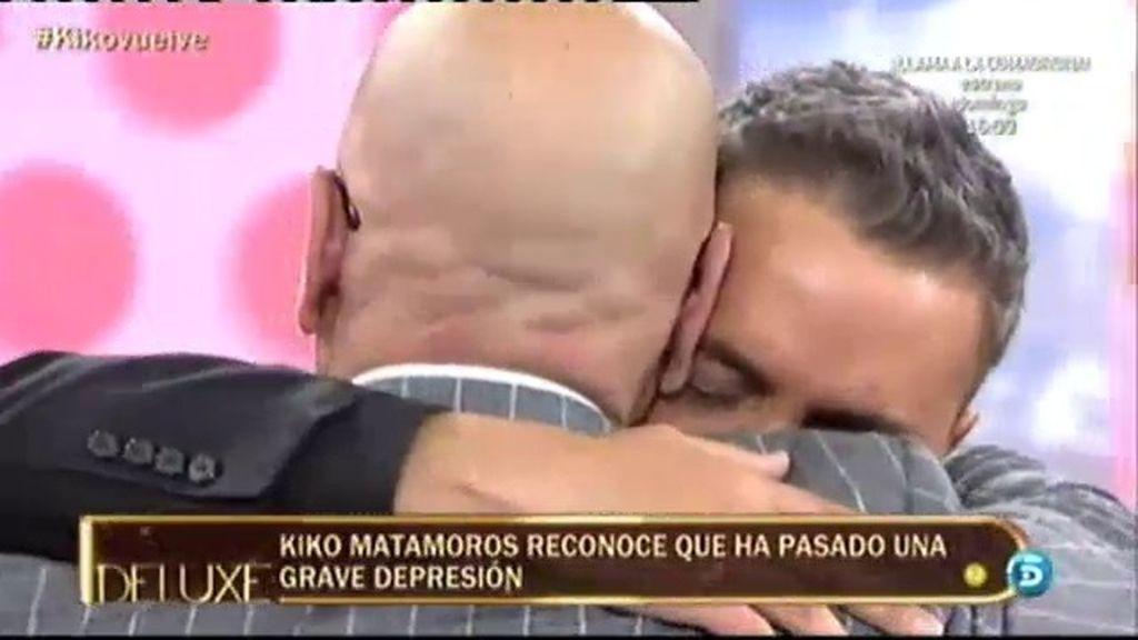 Los compañeros apoyan a Kiko Hernández