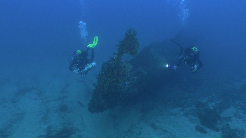 Calleja visita un barco hundido en Cabrera