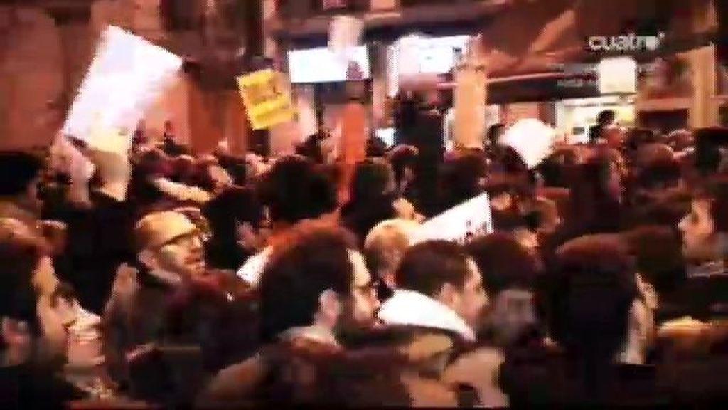 Cientos de personas piden justicia en Génova