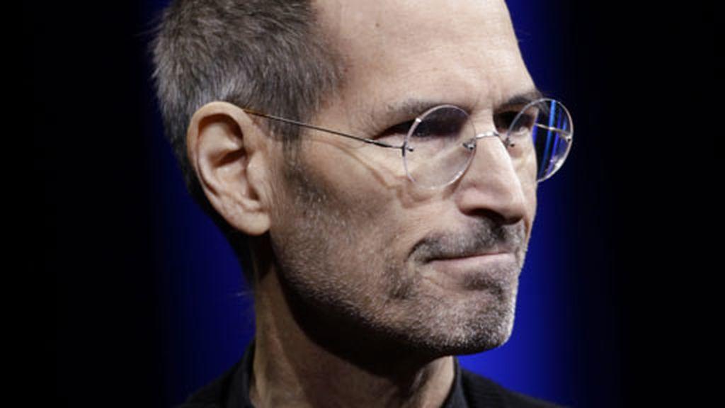 Jobs se baja de la cima de Apple