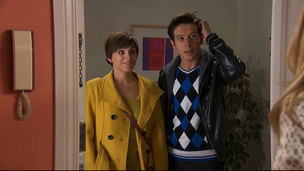 Lolo y Natalia interrumpen a Carlota