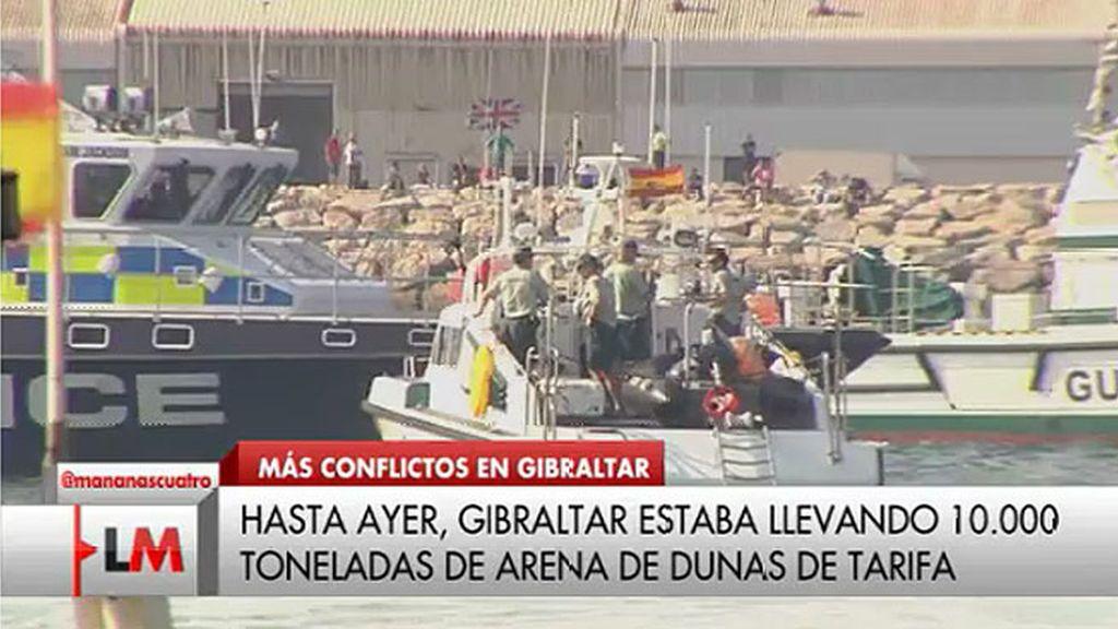 Interior prohíbe el paso a camiones con arena española por posible venta ilegal