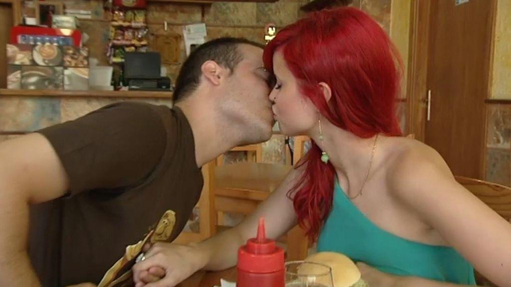 ¡Víctor y Cristina se besan en su primera cita!