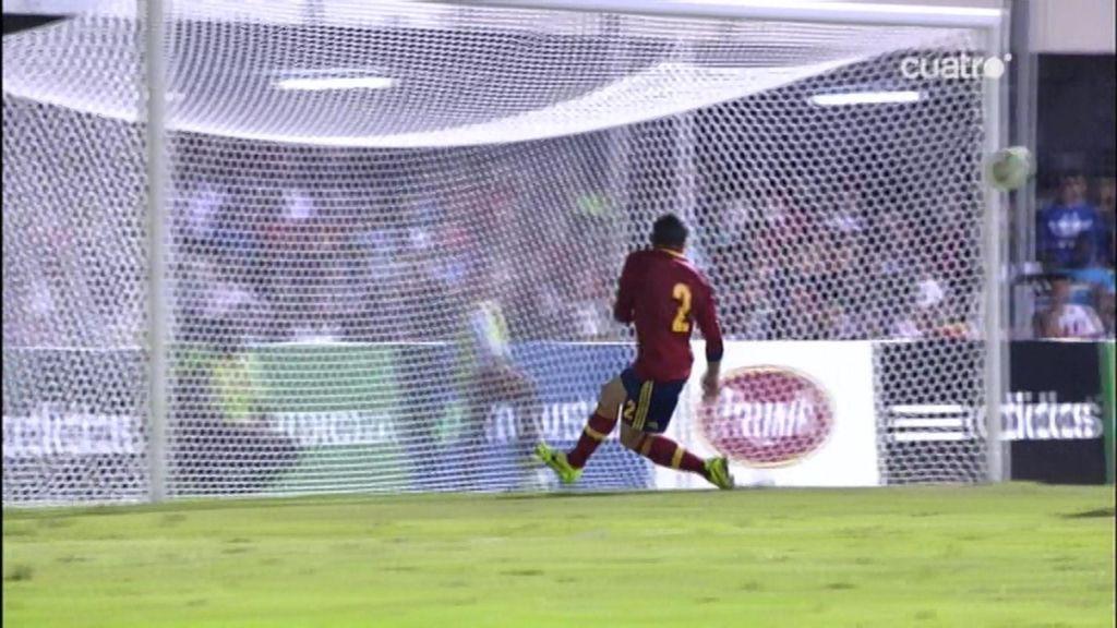Carvajal salva el empate bajo palos