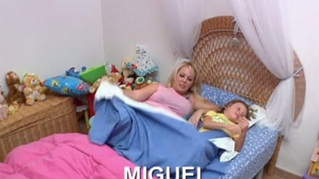 Miguel sigue durmiendo con sus padres