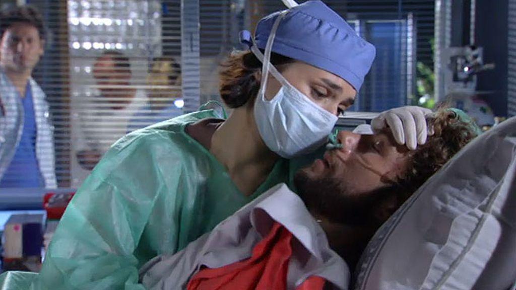 Raquel hace el trasplante a Alejandro