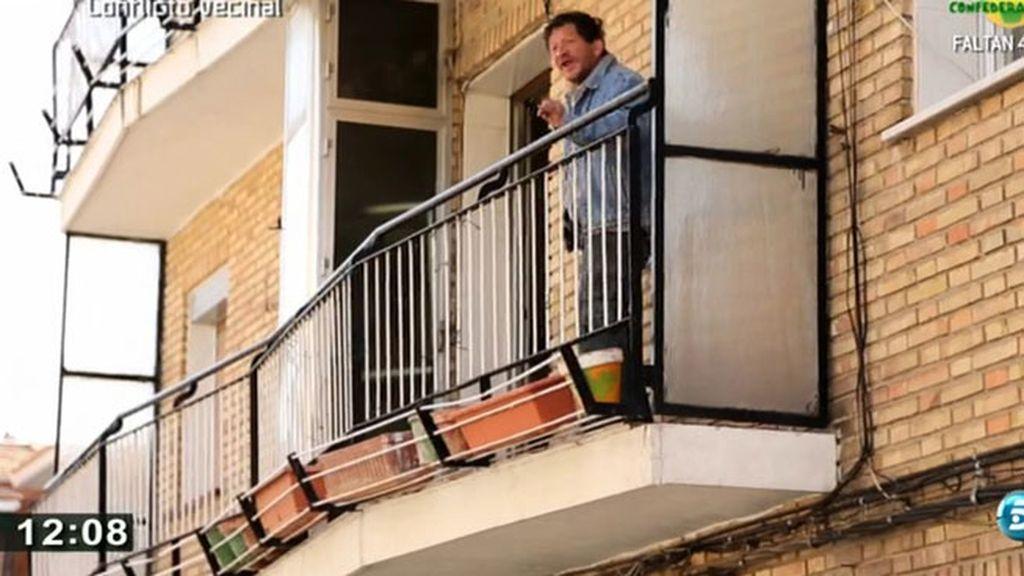 Dos vecinos hacen la vida imposible en un barrio de Villaverde