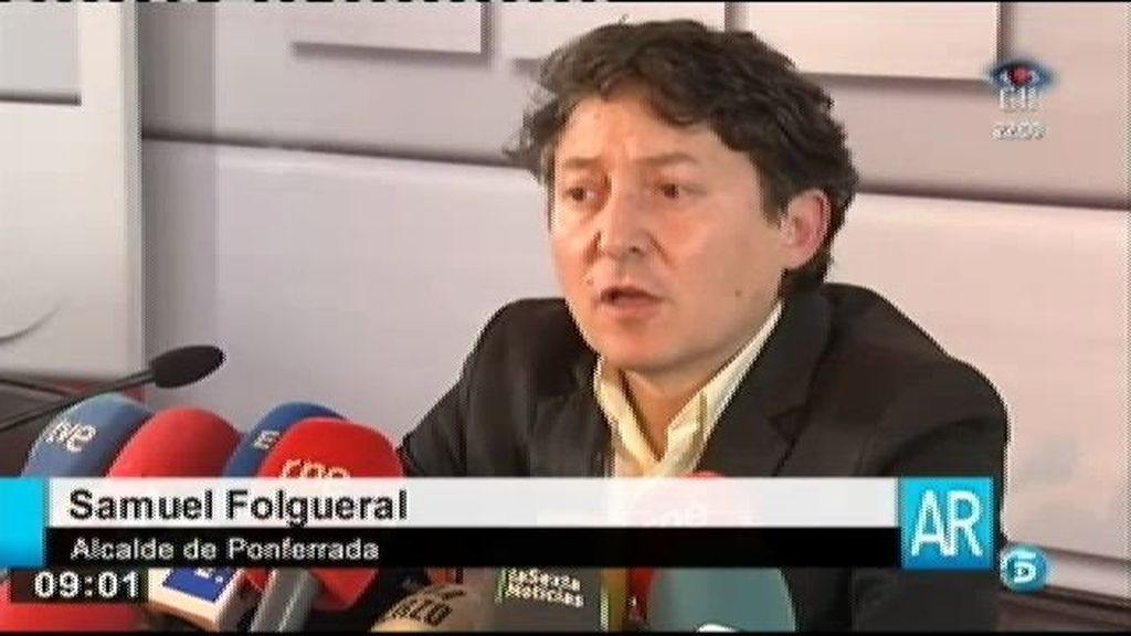 Samuel Folgueral pide la baja del PSOE pero se queda en la alcaldía de Ponferrada