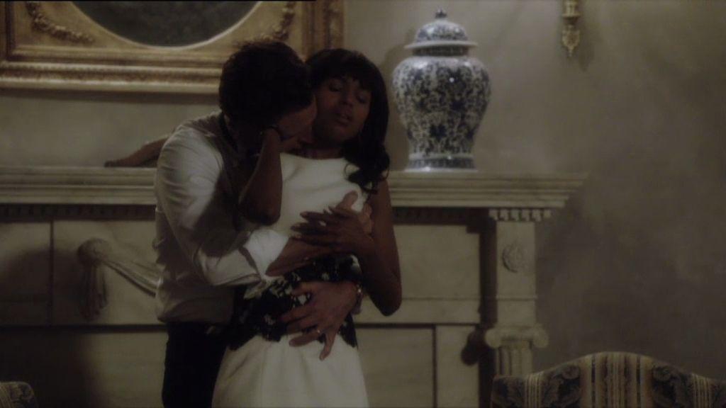 Olivia vuelve a caer en los brazos de Grant