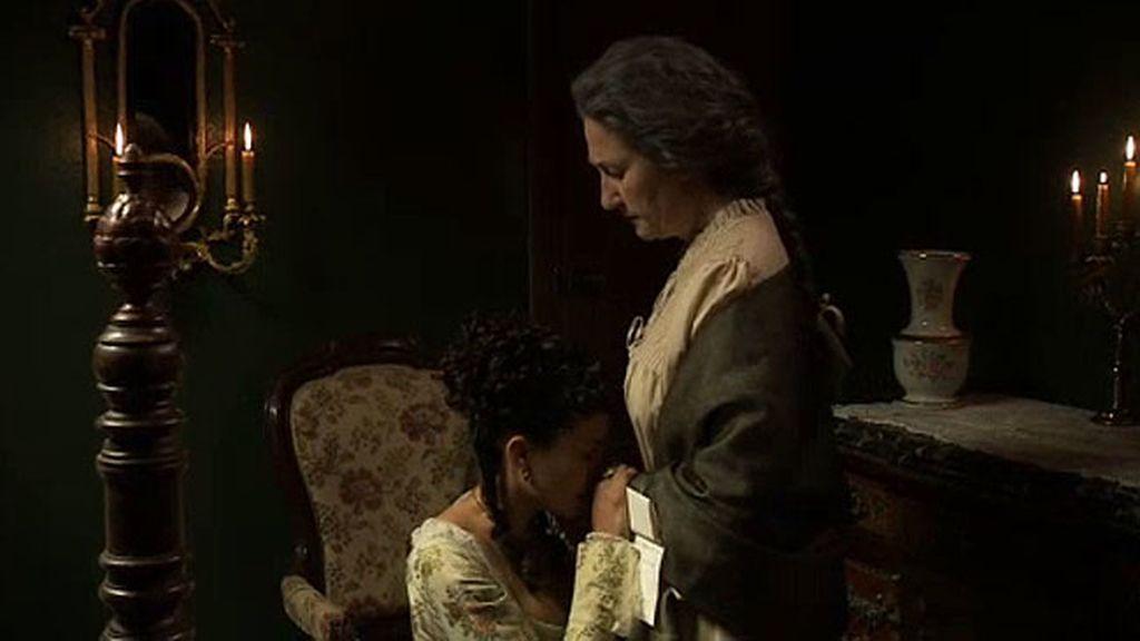 Beatriz chantajea a su hija