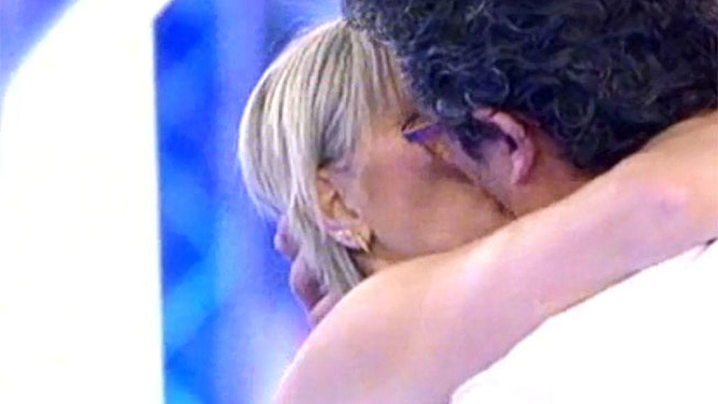 """Héctor, a Begoña: """"De tus labios bebo amor, puro y verdadero"""""""