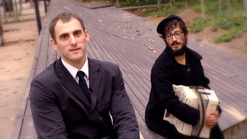 Ortzi y David, teatro acrobático