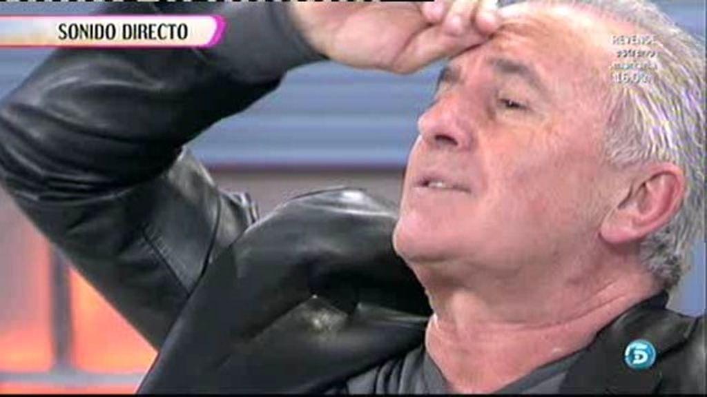 Víctor Manuel canta en directo