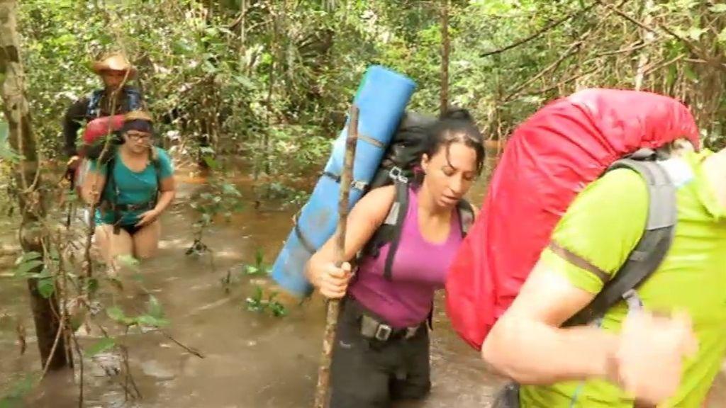 Los novatos tienen que atravesar unos fangales inundados