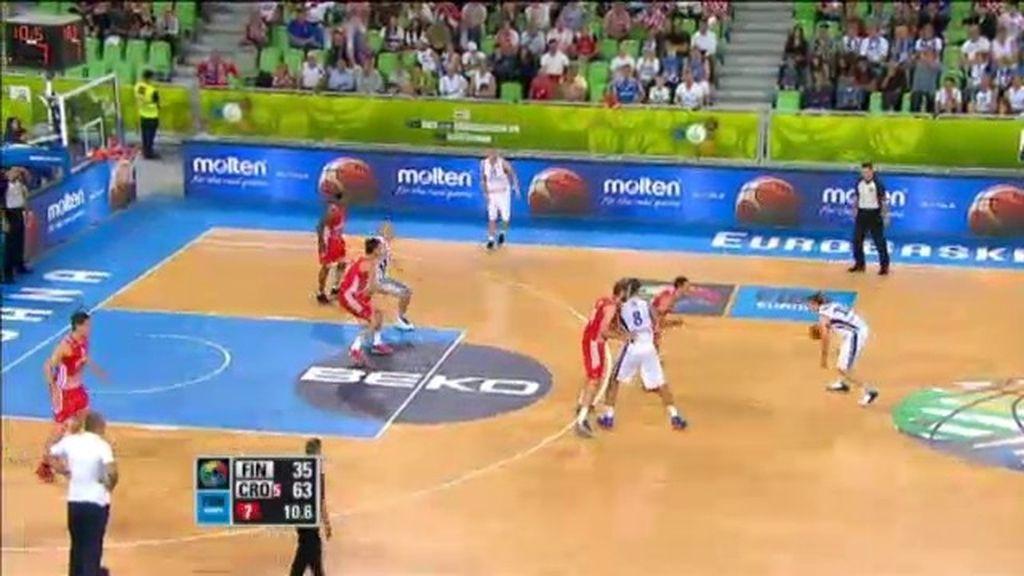 Koponen anota sus primeros puntos ante Croacia en el tercer cuarto