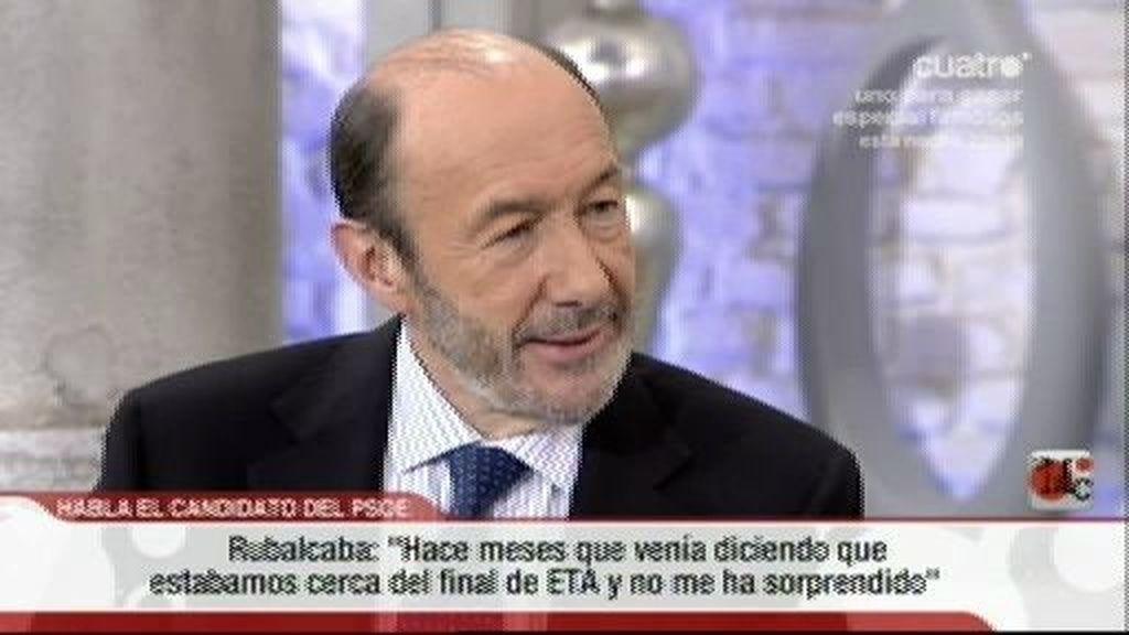 Rubalcaba tilda de 'correcta' su relación con Rajoy