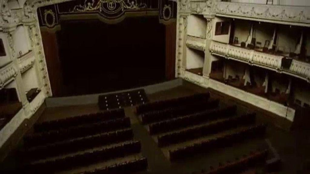 ¿Qué hay detras de los misterios del Teatro Cervantes de Almería?