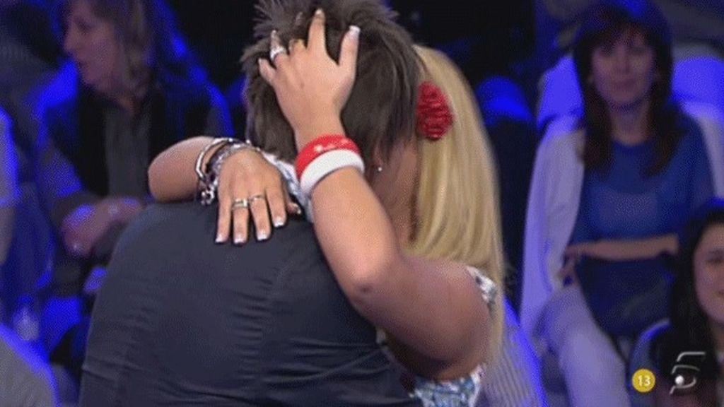 El beso entre Jorge y Saray