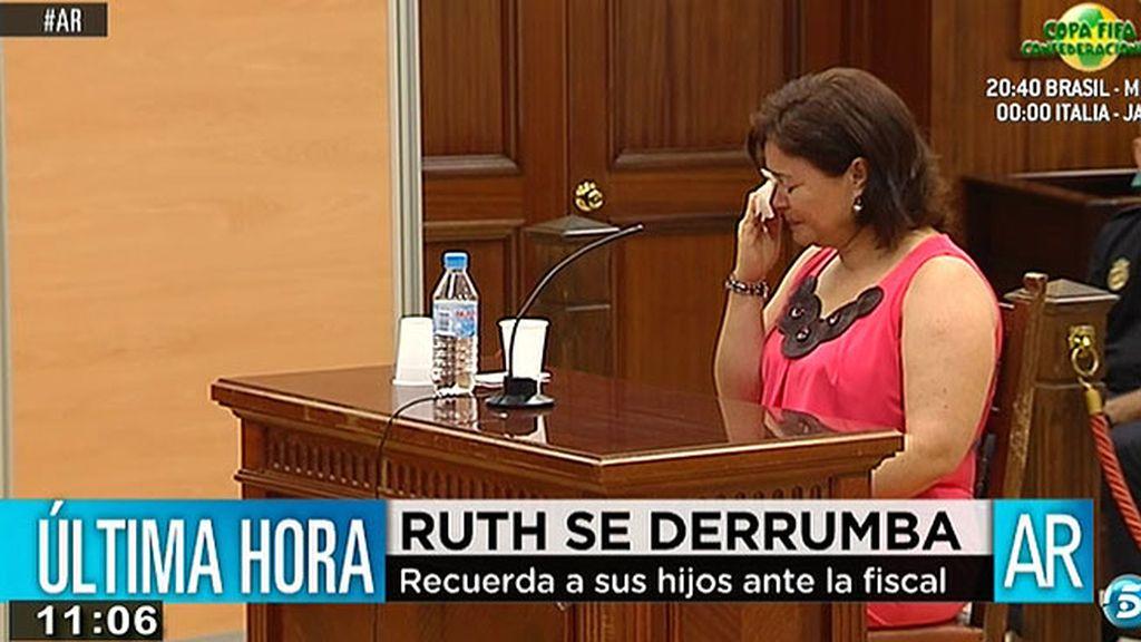 Ruth se derrumba al hablar de sus hijos