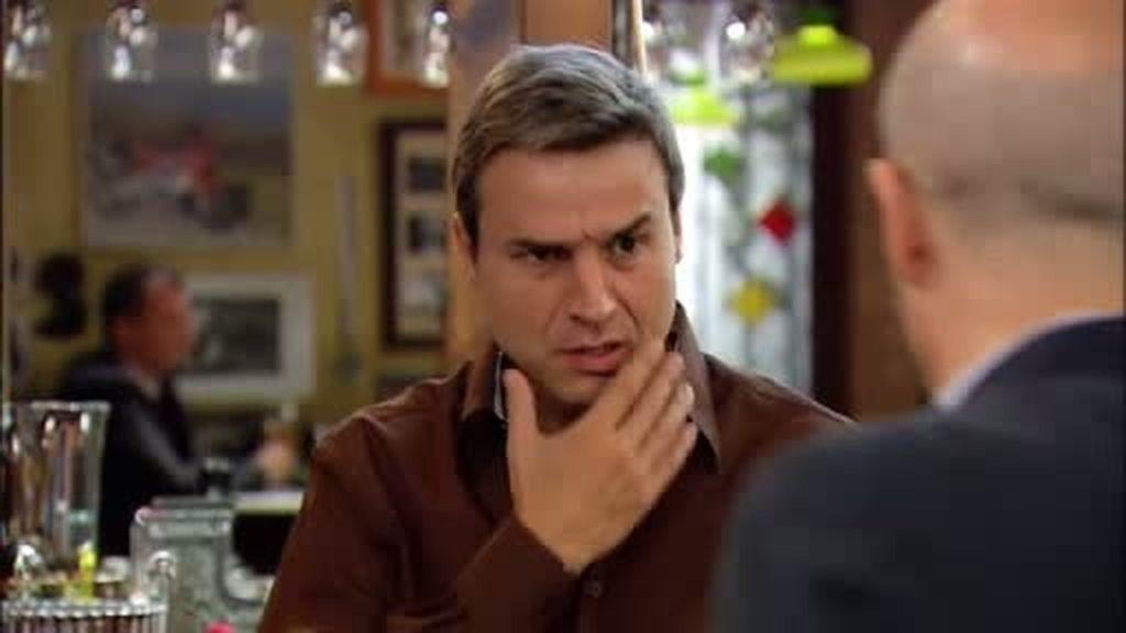 Nico recibe una bofetada