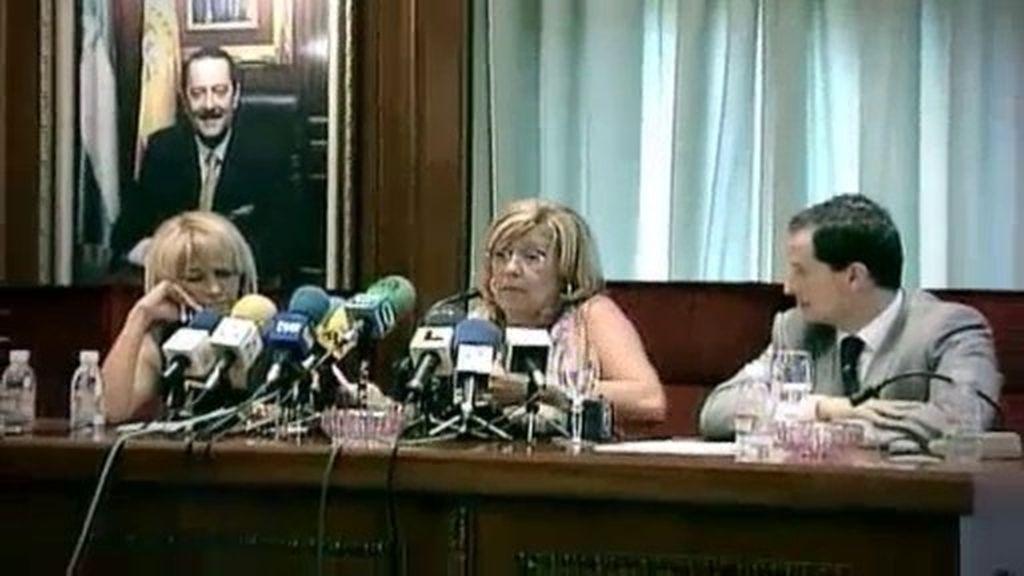 Una moción de censura acaba con el sueño de Muñoz