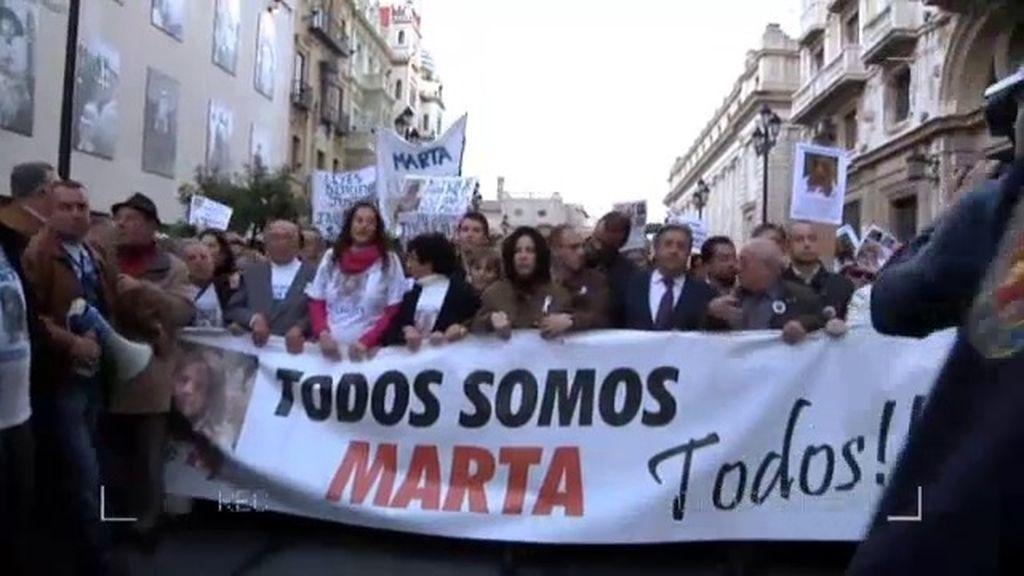 La policía, en la manifestación por Marta del Castillo