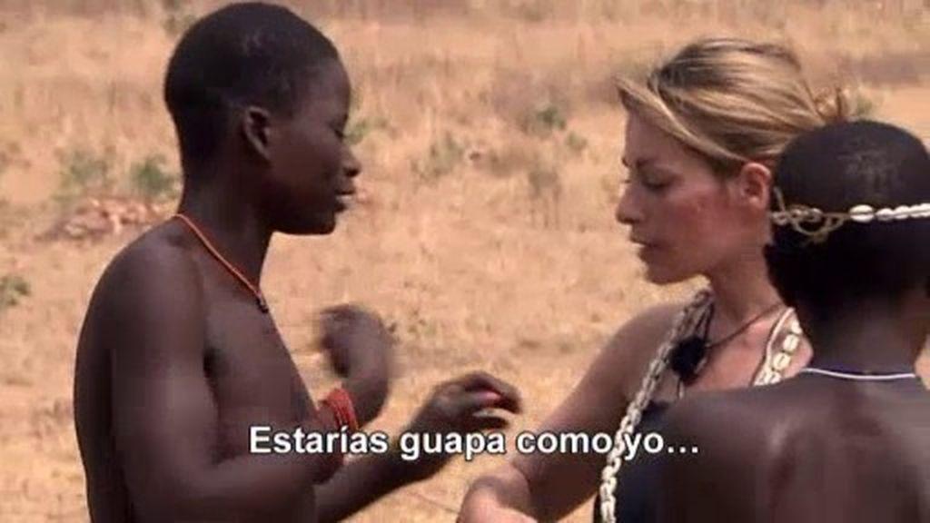 Marie y las mujeres de la tribu discuten