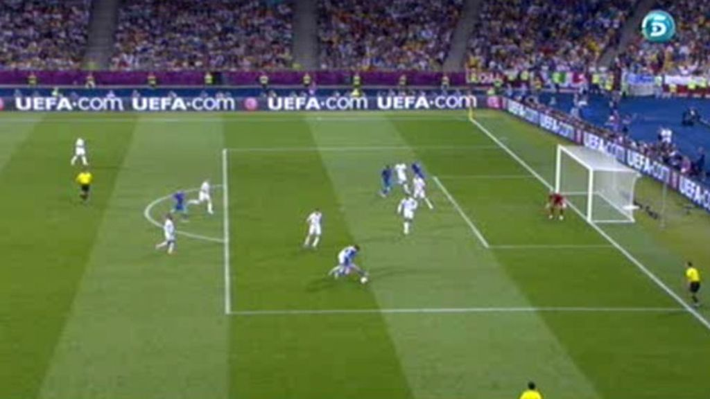 Gol anulado a Italia a 6 minutos del final